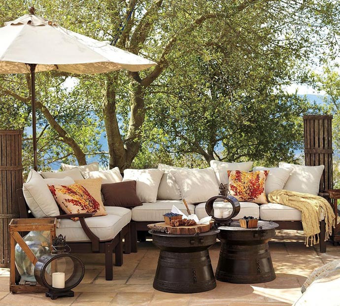 Outsiders within outdoor lifestyle patio decor garden for Patio decorating photos